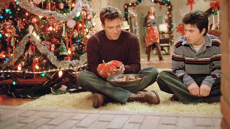 Surviving Christmas.Di Surviving Christmas Nathanzoebl
